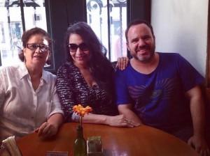 Eliana Printes e Maria Braga e amigo Beto Feitosa
